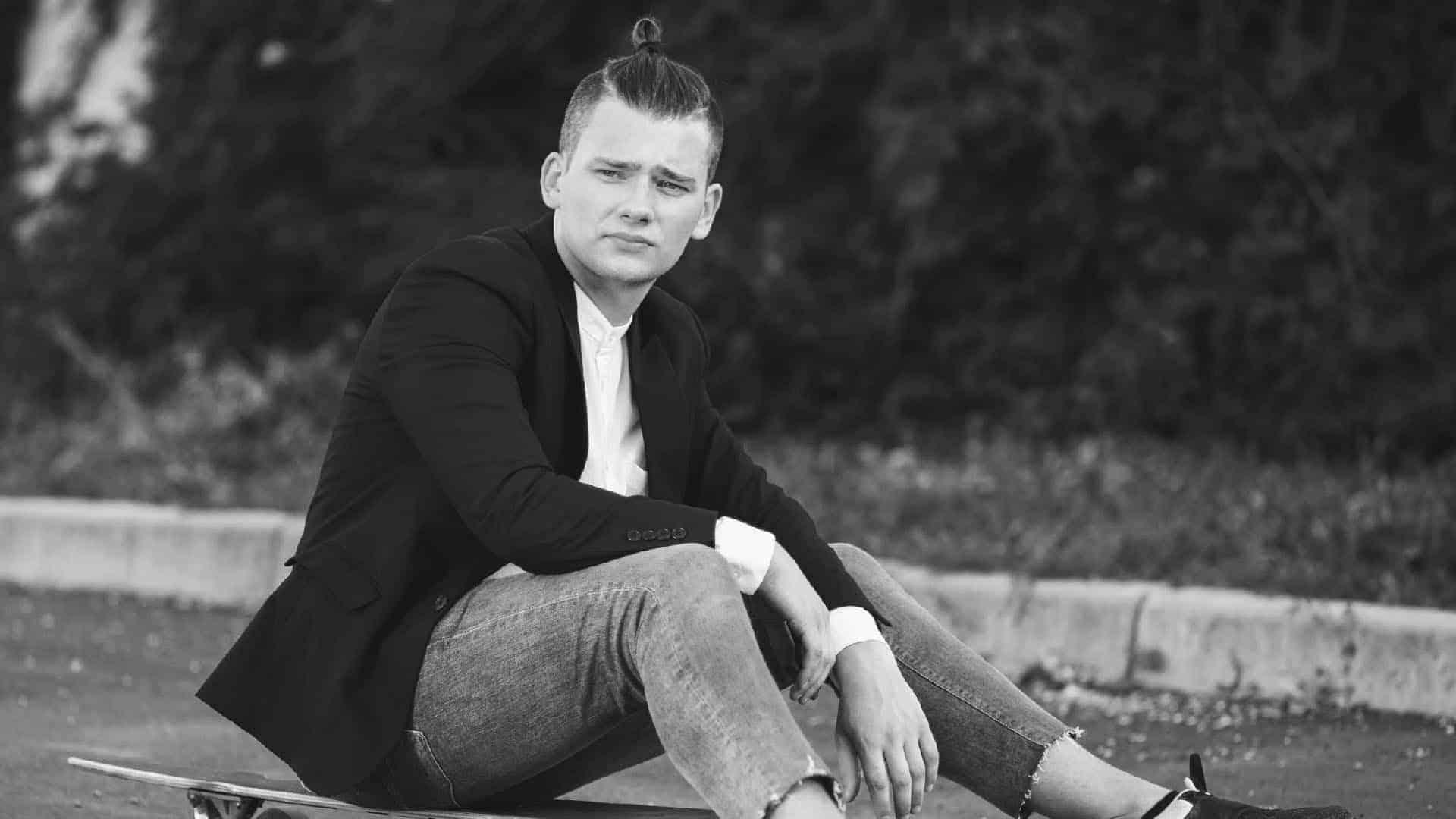 Dress elegant with jeans (Man): The 8 final keys
