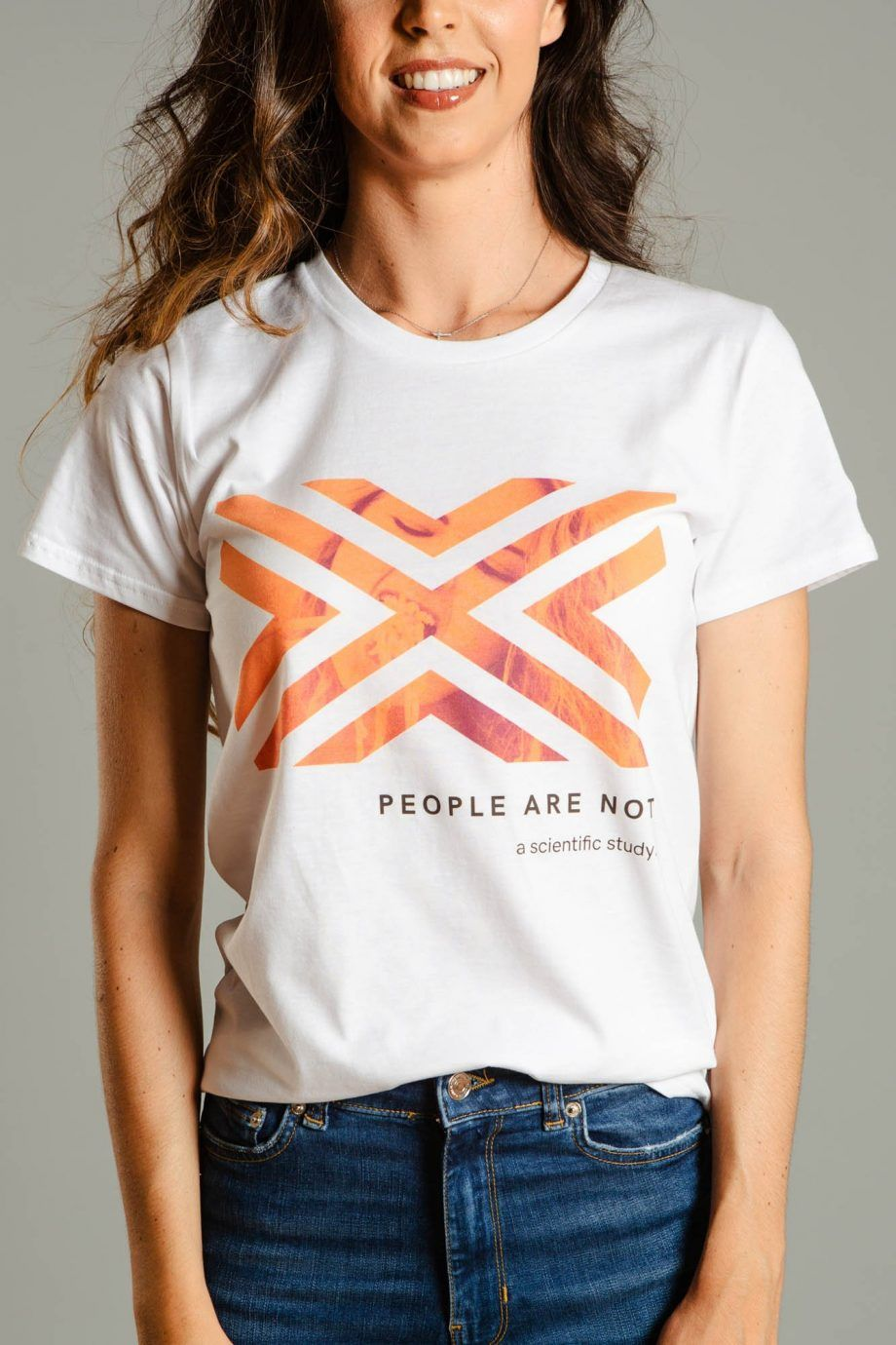 Camiseta People Are Not A Cientific Study