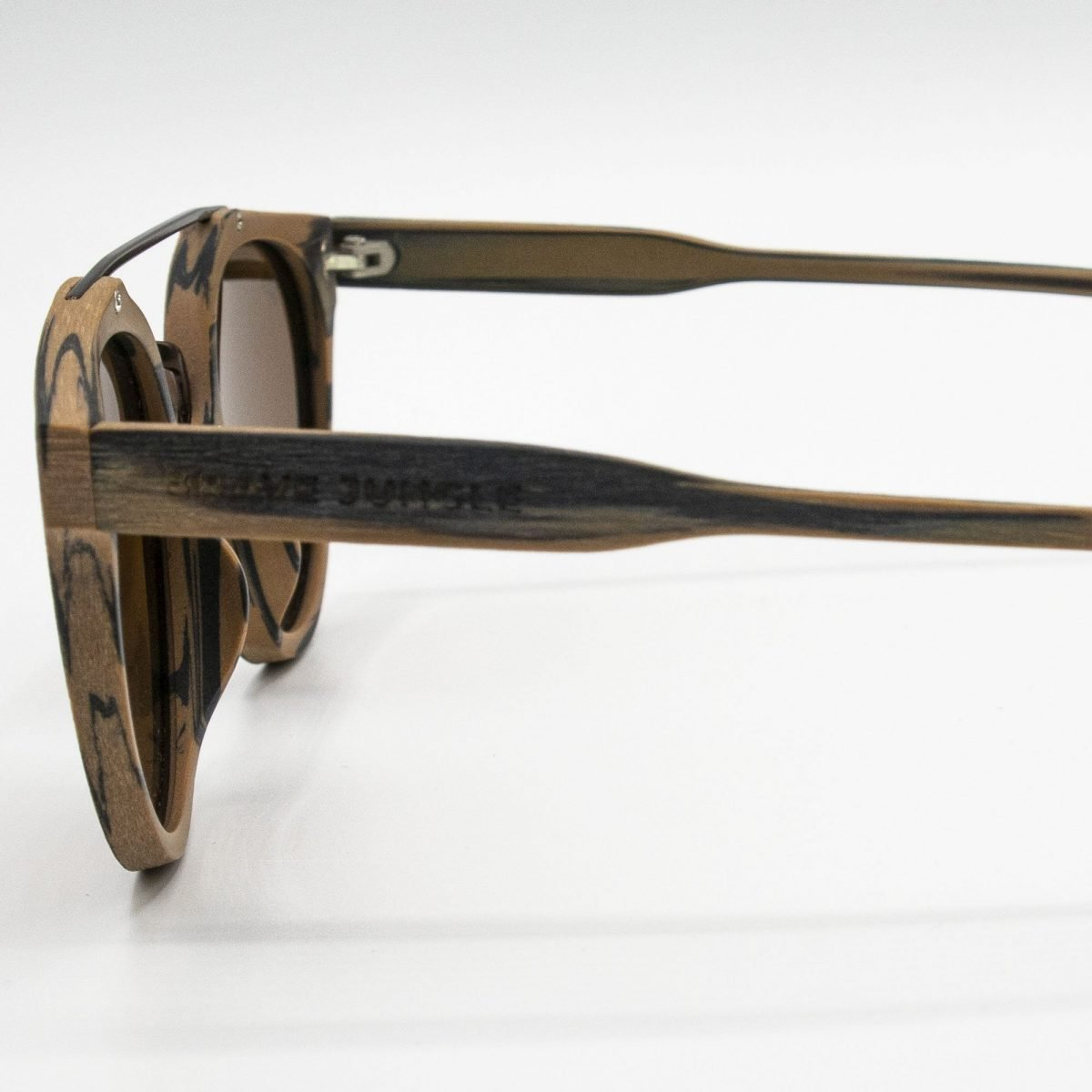 gafas de sol brave jungle kaost vetead lateral cerca